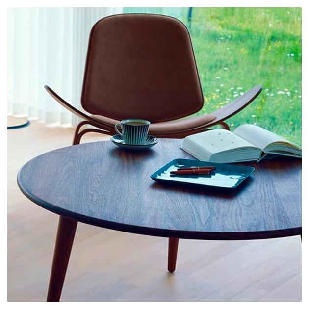 comprar Mesa CH008 100 cm nogal de Carl Hansen. Disponible en Moisés showroom