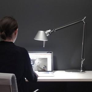despacho lámpara de sobremesa Tolomeo aluminio Artemide.