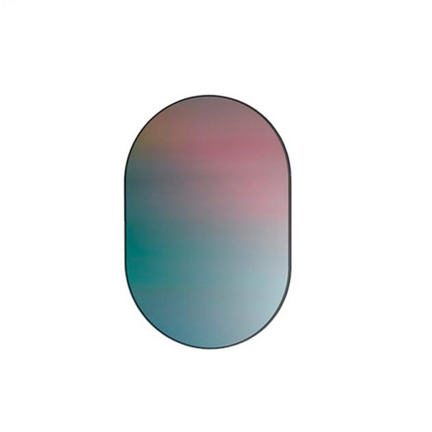 Mirror Oval Fritz Hansen diseñado por Studio Roso