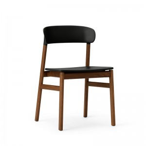 Herit Chair smoked oak de Normann Copenhagen en Moises Showroom