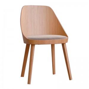 Silla Kaiak de Enea con asiento tapizado en Moises Showroom