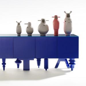 Aparador Showtime Multileg de BD Barcelona diseñado por Jaima Hayon en Moises Showroom