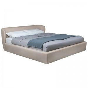 Cama Stay bed de Gubi con cabecero bajo en Moises Showroom