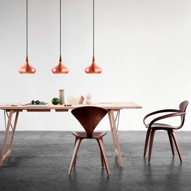 Ambiente de comedor con Lámpara Orient P1 marca Fritz Hansen