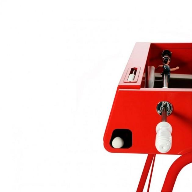 Detalle Futbolín #RS3 color rojo de RS Barcelona. Disponible en Moisés showroom