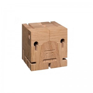 Mr B en cubo de E15. Disponible en Moisés Showroom