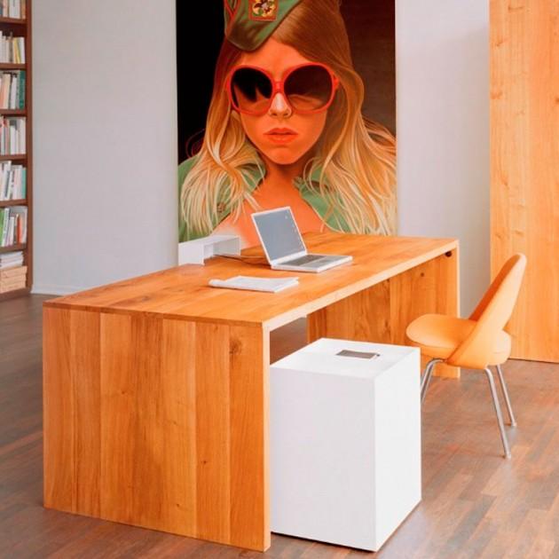 Ambiente oficina Mesa Ponte en roble macizo de E15. Disponible en Moisés showroom