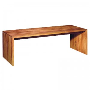 Mesa Ponte en roble macizo de E15. Disponible en Moisés showroom