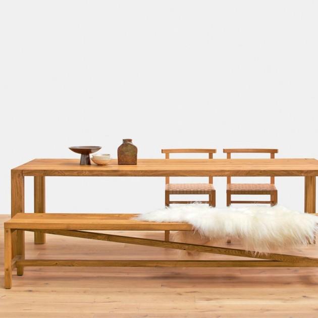 ambiente Comedor Banco Sitz en madera de roble aceitado de e15. Disponible en Moisés showroom