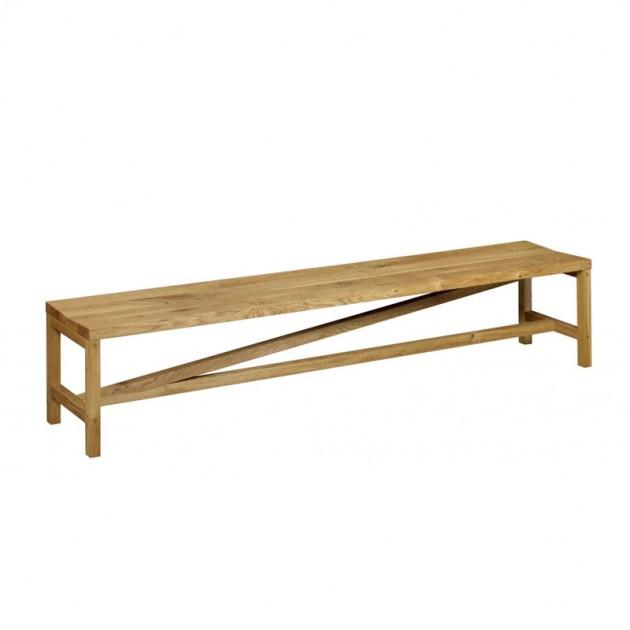 Banco Sitz en madera de roble aceitado de e15. Disponible en Moisés showroom