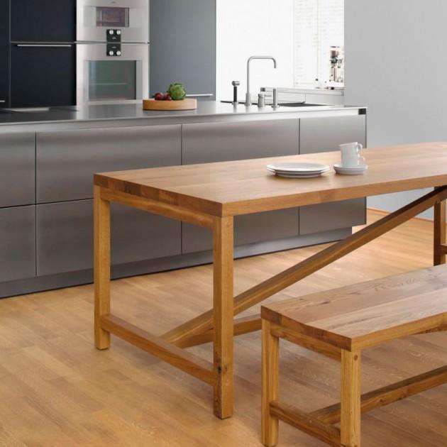 Banco Sitz y mesa Platz en roble aceitado de e15 ambiente cocina. Disponible en Moisés showroom