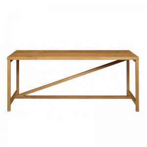 Mesa Platz roble macizo aceitado de e15. Disponible en Moisés showroom