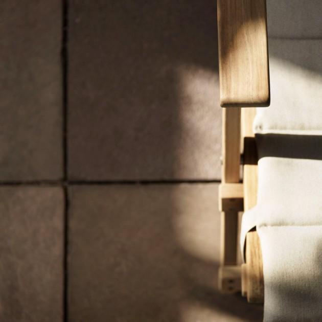Detalle respaldo y tela cojín Deck chair BM5568. Disponible en Moisés showroom
