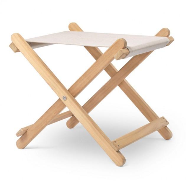 Reposapiés BM5768 madera teca de Carl Hansen. Disponible en Moisés showroom