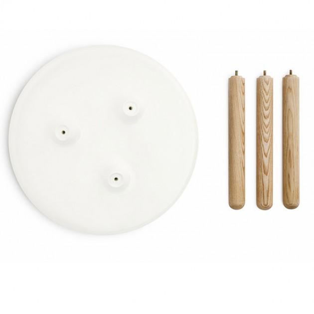 accesorios mesa Tablo pequeña color blanco patas fresno de Normann copenhagen