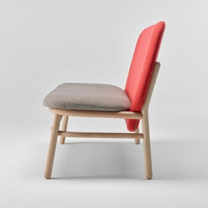 Perfil sillón doble Lana madera respaldo alto de Ondarreta en Moises Showroom