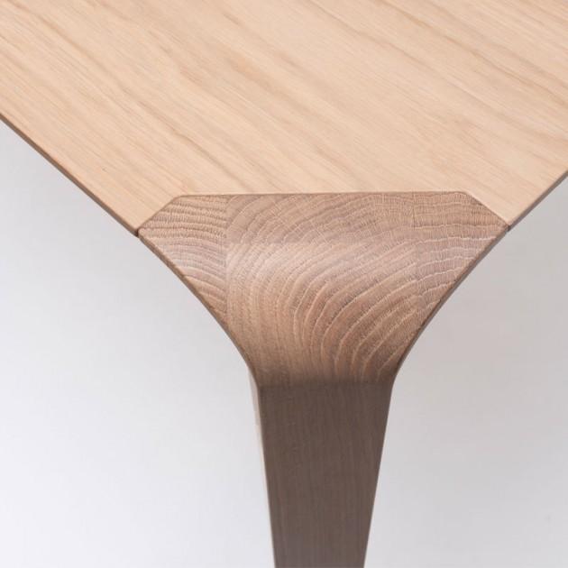 Detalle esquina mesa Silu de Ondarreta en Moises Showroom