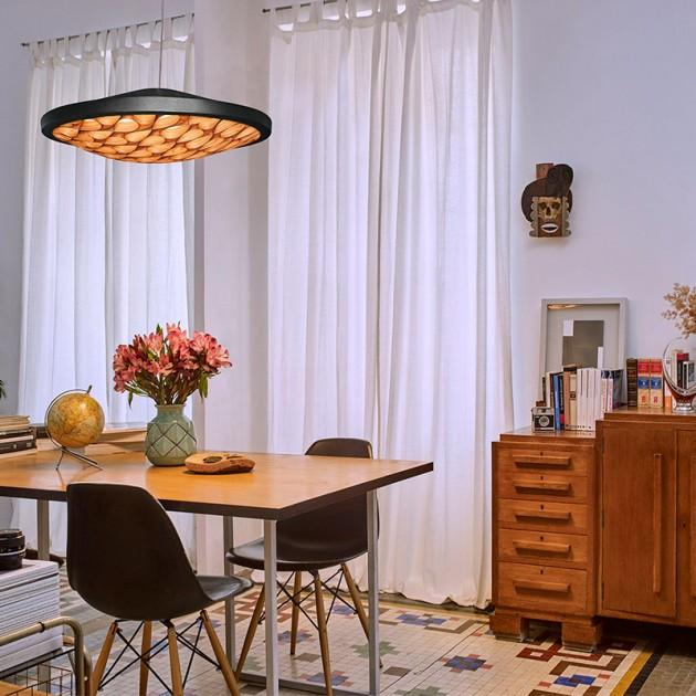 habitación con lámpara suspensión Cervantes LZF