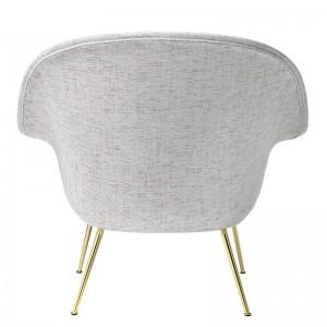 Trasera Bat Lounge chair con respaldo bajo color gris de Gubi en Moises showroom