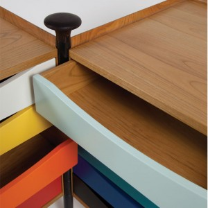 Detalle Glove Cabinet cajones y mango