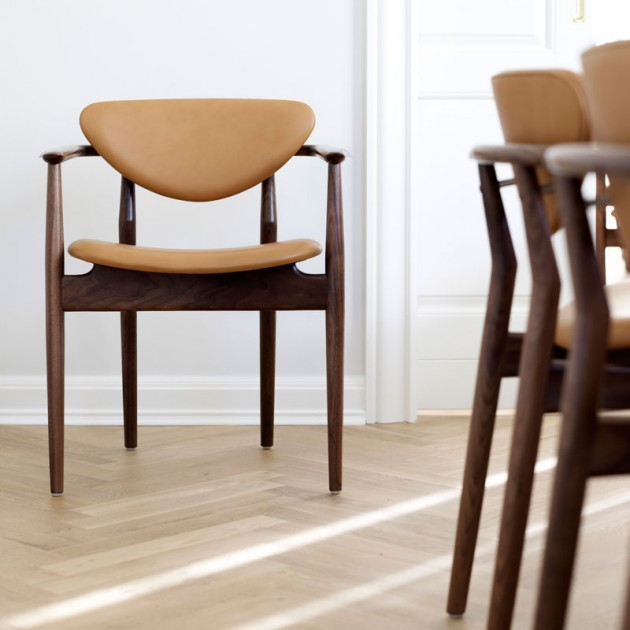 Silla 109 Chair de Finn Juhl en Moises Showroom