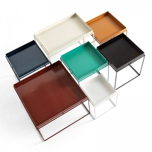 Familia de mesas Tray Table de HAY en Moises Showroom