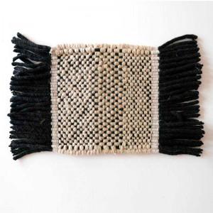 muestra Alfombra Tres Stripes negro outdoor Nanimarquina
