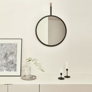 Espejo Hang Mirror negro de Omellete-Ed en Moises Showroom