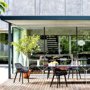 terraza Mesa de comedor Officina negra patas galvanizado Magis