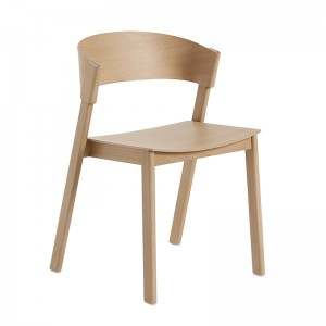 Silla Cover side chair roble de Muuto en Moises Showroom