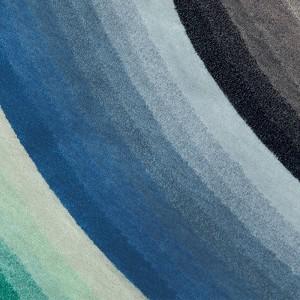 Detalle Round Mirage Blue de Gan Rugs en Moises Showroom