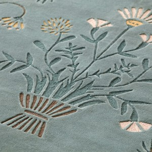 Detalle alfombra Dreams White Daisy de Gan Rugs en Moises Showroom