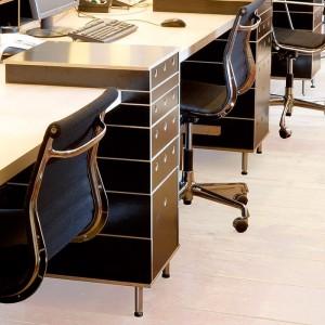 oficina con cajoneras Lader Moormann