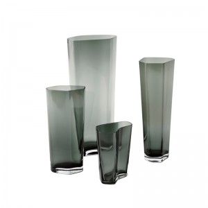 colección Glass vases Andtradition Smoked