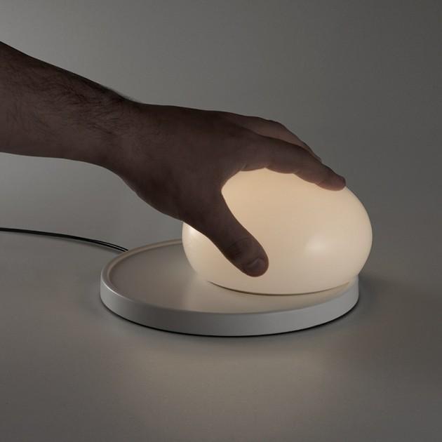 lámpara sobremesa Bolita Marset móvil