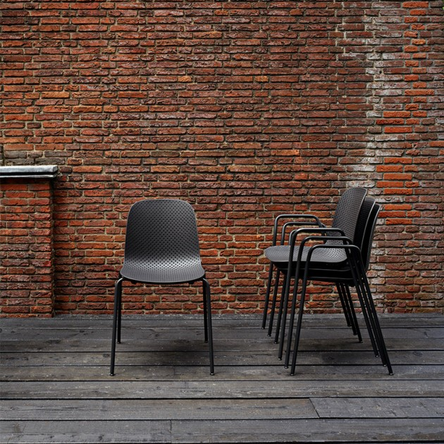 Silla 13Eighty armchair HAY apiladas
