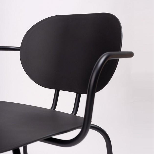 detalle silla Hari con brazos polipropileno Ondarreta