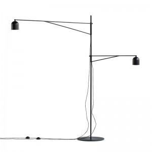 Lámpara de pie Awkward Light Floor de Karakter Copenhagen en Moises Showroom