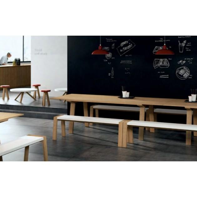 restaurante con Mesa rectangular Mitis en roble de Punto Mobles
